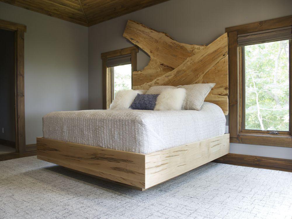 Наша работа из массива дерева. Кровать