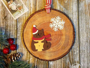 Создаем новогоднюю подвеску с пожеланиями в технике декупаж с имитацией спила дерева. Ярмарка Мастеров - ручная работа, handmade.