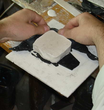 Как сделать гипсовую форму для изготовления однотипных изделий., фото № 12