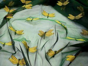 Видеообзор Вышивка на органзе желтые стрекозы на зеленом фоне. Ярмарка Мастеров - ручная работа, handmade.