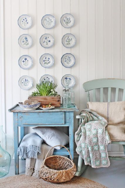 Love this blue plate wall eclecticallyvintage.com
