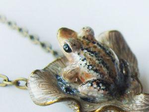 Аукцион на кулончик с лягушкой и жемчужиной. Ярмарка Мастеров - ручная работа, handmade.