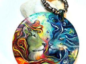 Радужные львы – крупный кулон с лаковой миниатюрой на кожаном шнуре.. Ярмарка Мастеров - ручная работа, handmade.
