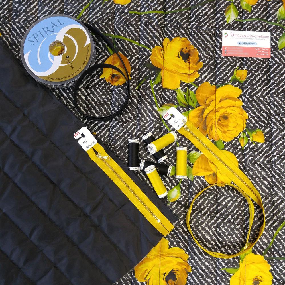 ткани италия, итальянские ткани, куртка, пальто, полупальто, цветочный принт, цветы, желтый, осень, зима, осень-зима