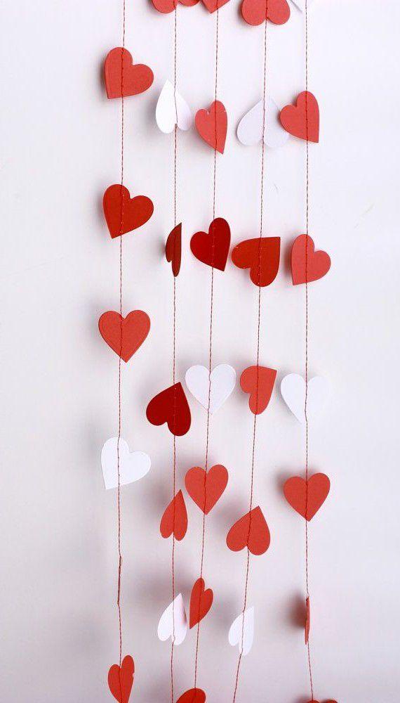 Как сделать гирлянды из бумаги сердечками