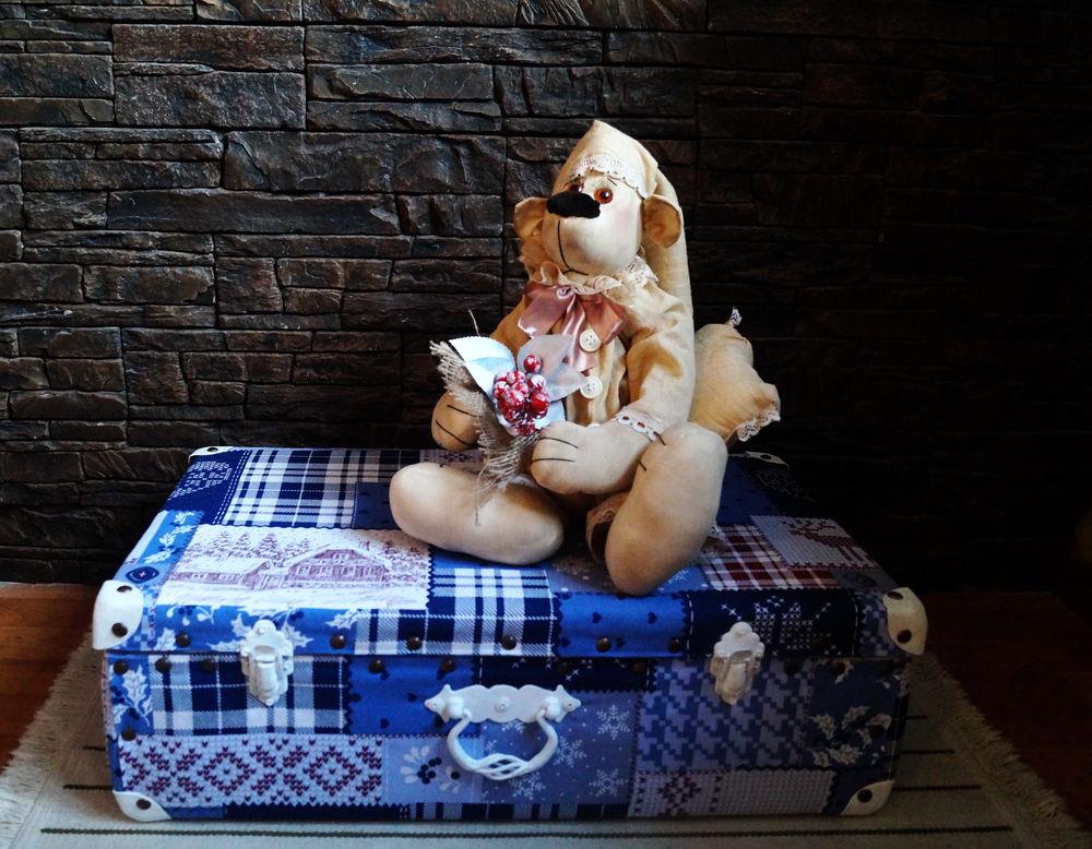 старый чемодан, новогодний декор, новогодняя сказка