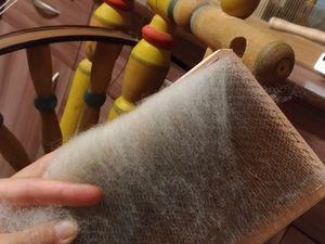 Как легко очистить ручные карды от предыдущего волокна перед работой. Ярмарка Мастеров - ручная работа, handmade.