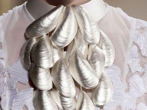 Струящиеся ткани, морские узоры и рыбные чешуйки: полет фантазии дизайнера Oscar Carvallo. Ярмарка Мастеров - ручная работа, handmade.
