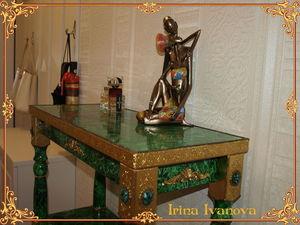 Броский аксессуар в интерьер. Малахитовый стол. Ярмарка Мастеров - ручная работа, handmade.