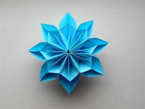 Красивый цветок из бумаги в технике оригами. Ярмарка Мастеров - ручная работа, handmade.