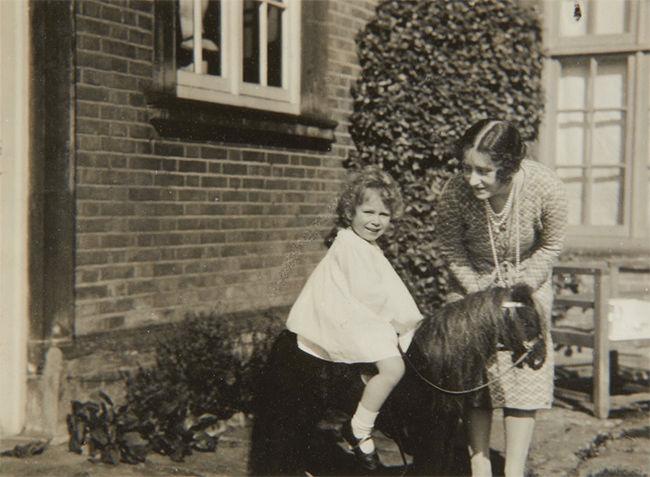 Во что же играла маленькая королева Англии?, фото № 12