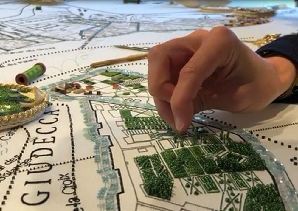 Совместный проект по вышивке карты города Венеция от Школы вышивки Lesage