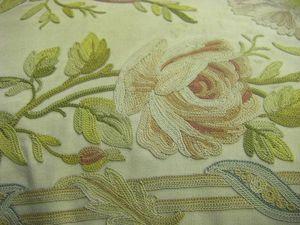 Старинная диванная подушка из Франции с вышивкой тамбурным швом. Ярмарка Мастеров - ручная работа, handmade.