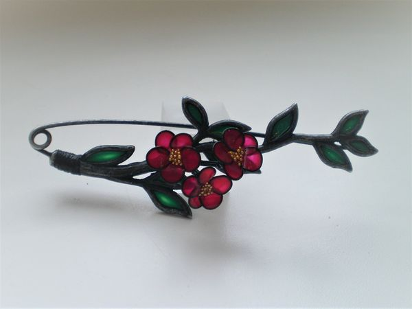 Аукцион на брошь Цветы портулака в технике