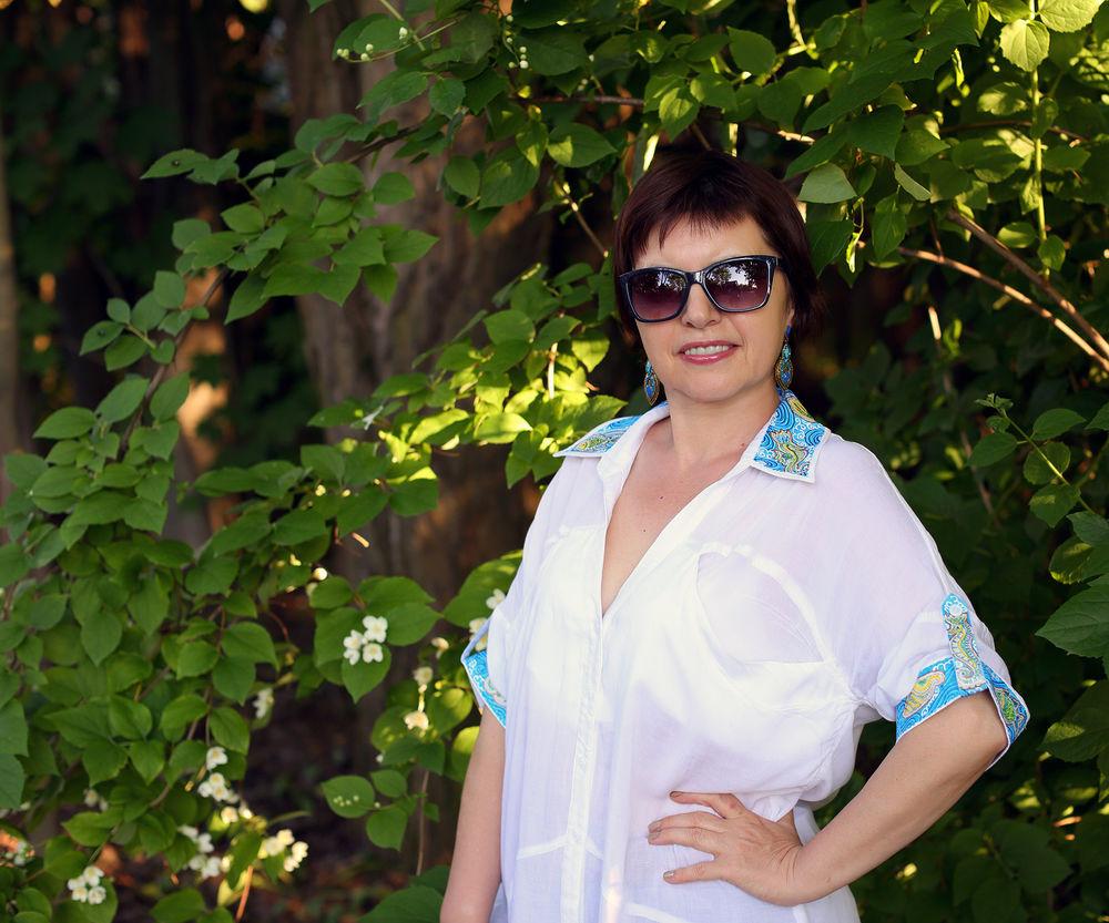 белая блузка с росписью, блузка на отдых