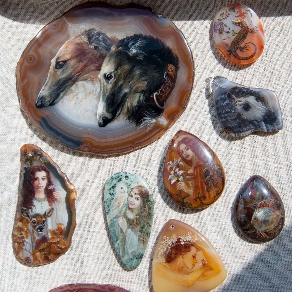 рисунок на камне, кабошон с росписью