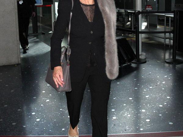 Как повторить стильный образ Хелен Миррен с винтажным меховым шарфом   Ярмарка Мастеров - ручная работа, handmade