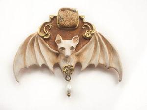 Летучая мышь. Брошь с камнем яшма. брошь из полимерной глины. Ярмарка Мастеров - ручная работа, handmade.