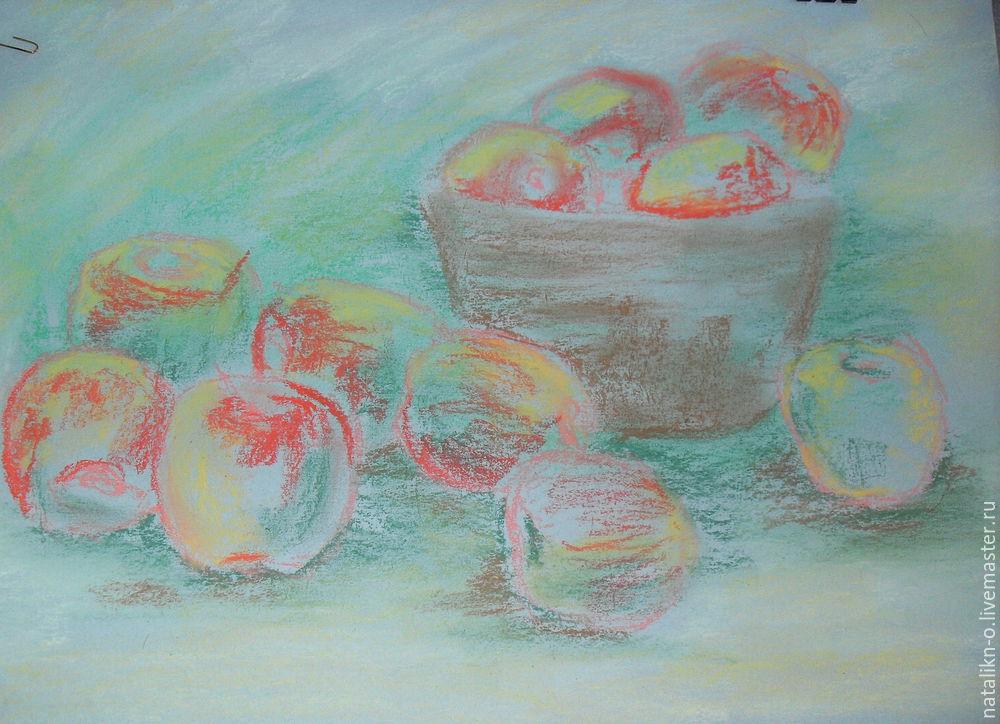 яблоки на поляне