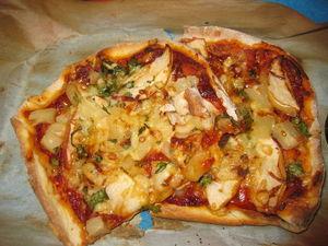 Пицца на кефирном тесте без мяса с ананасом и яблоком.. Ярмарка Мастеров - ручная работа, handmade.