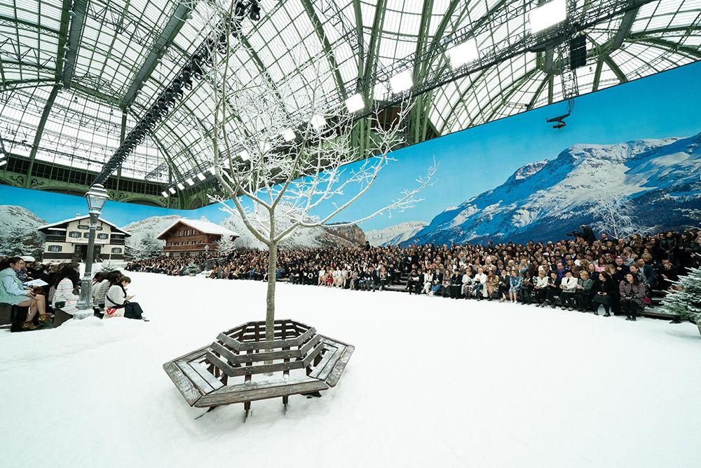 Show Must Go On: в Париже показали последнюю коллекцию Карла Лагерфельда, фото № 3