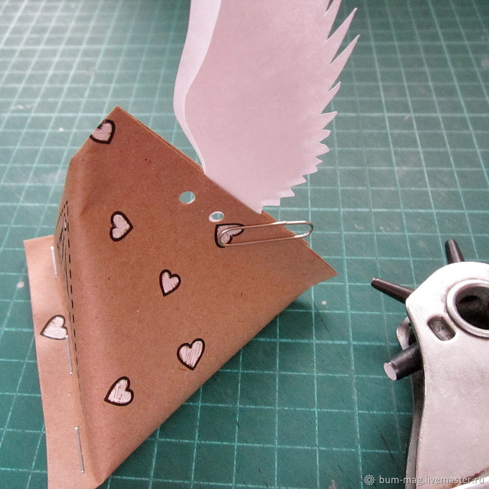 package decor, wings of love