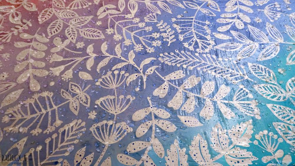 шёлковый платок, процесс создания, батик, красота, сиреневый, роспись по шёлку