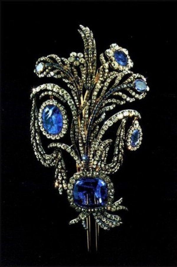 фото ювелирных украшений из алмазного фонда применяется