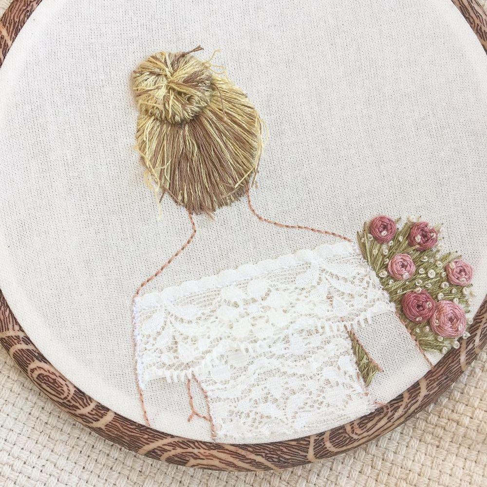 Embroidery Hair Style: вышитые гладью девушки с объемными прическами