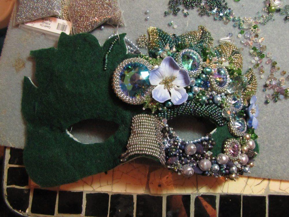 Чудесные маски, вышитые бисером и стразами, от Melissa Grakowsky Shippee (MGS Designs)