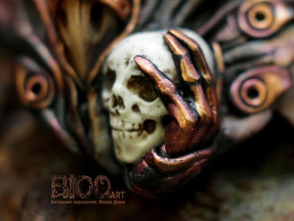 Кулон Чумной доктор с черепом в руках. | Ярмарка Мастеров - ручная работа, handmade