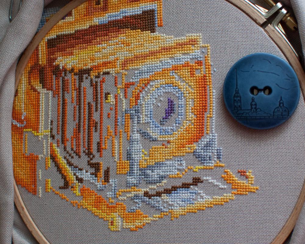 фотоаппарат, вышивка крестом, процесс работы, процесс создания