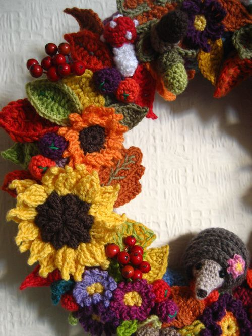 Lucy's Attic 24 Autumn Crochet Wreath