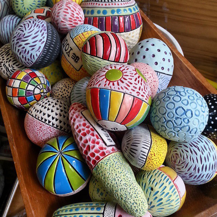A Love Affair with Clay: Bright Pottery by Charity Hofert, фото № 7