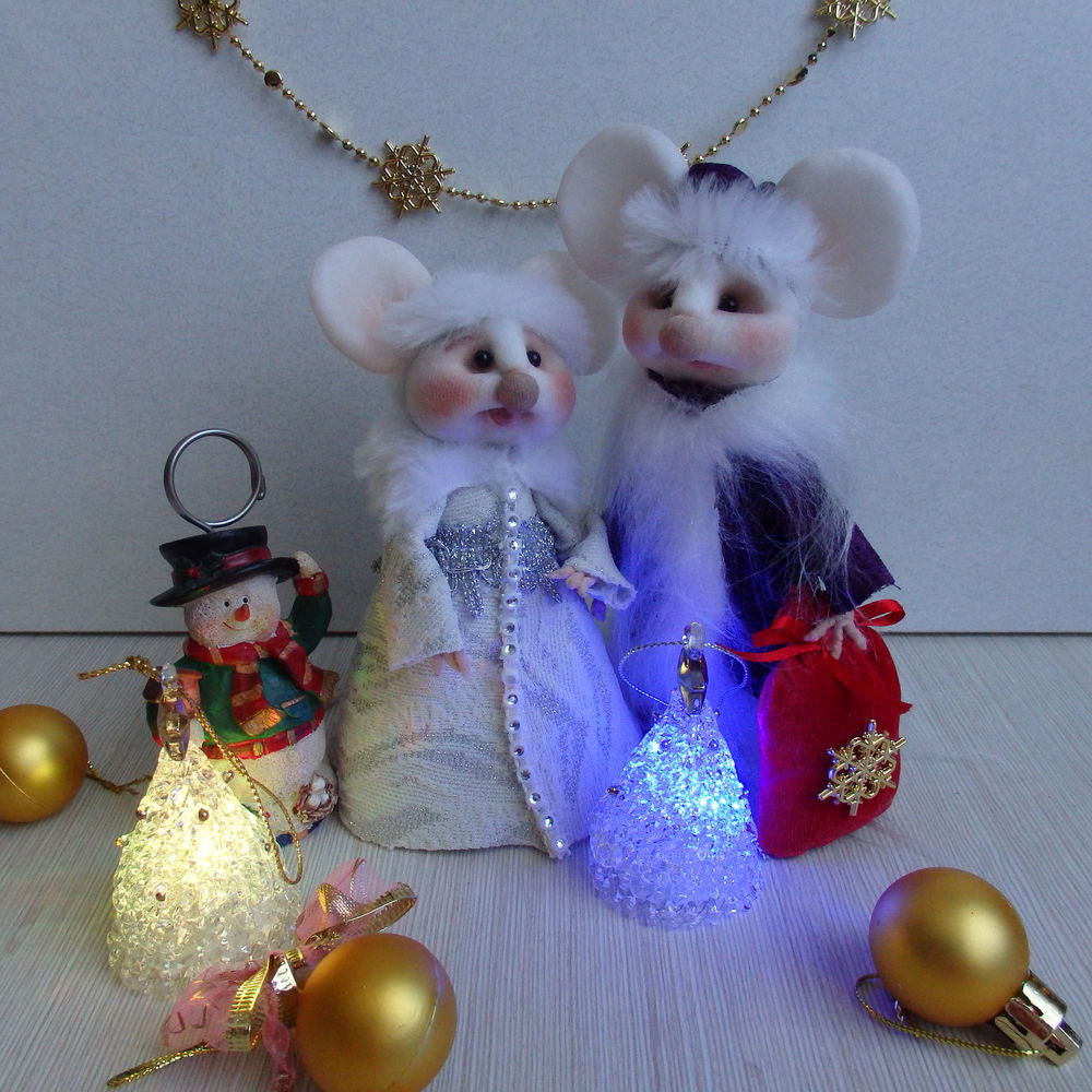 новости магазина, мышонок, дед мороз и снегурочка, дед мороз, новогодний подарок, сувенир на новый год