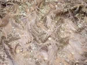 Роскошная ткань с перьями и пайетками для вечернего платья принцессы. Ярмарка Мастеров - ручная работа, handmade.