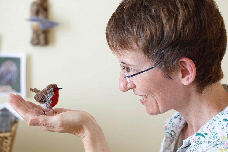 Вот-вот взлетят: реалистичные вязаные птицы Jose Heroys, фото № 1