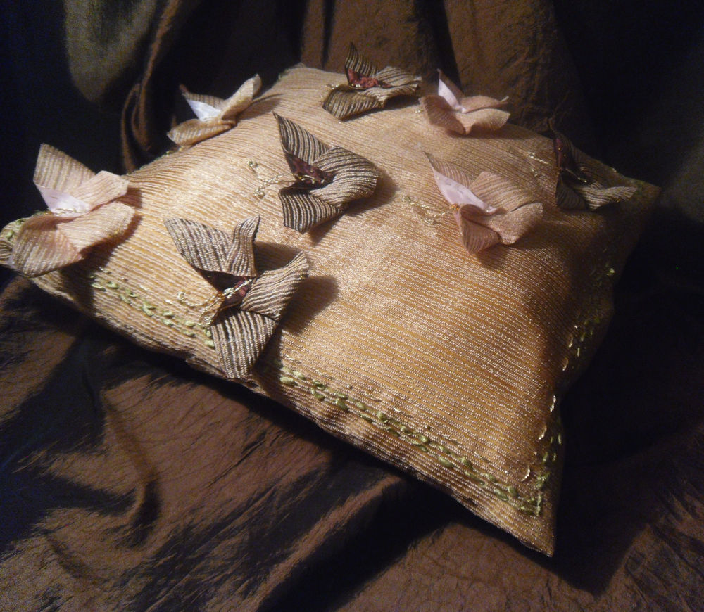 покрывало, текстильные бабочки