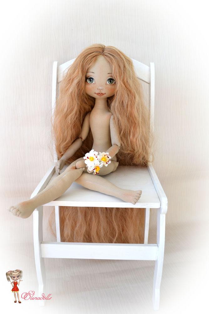 кукла в продаже