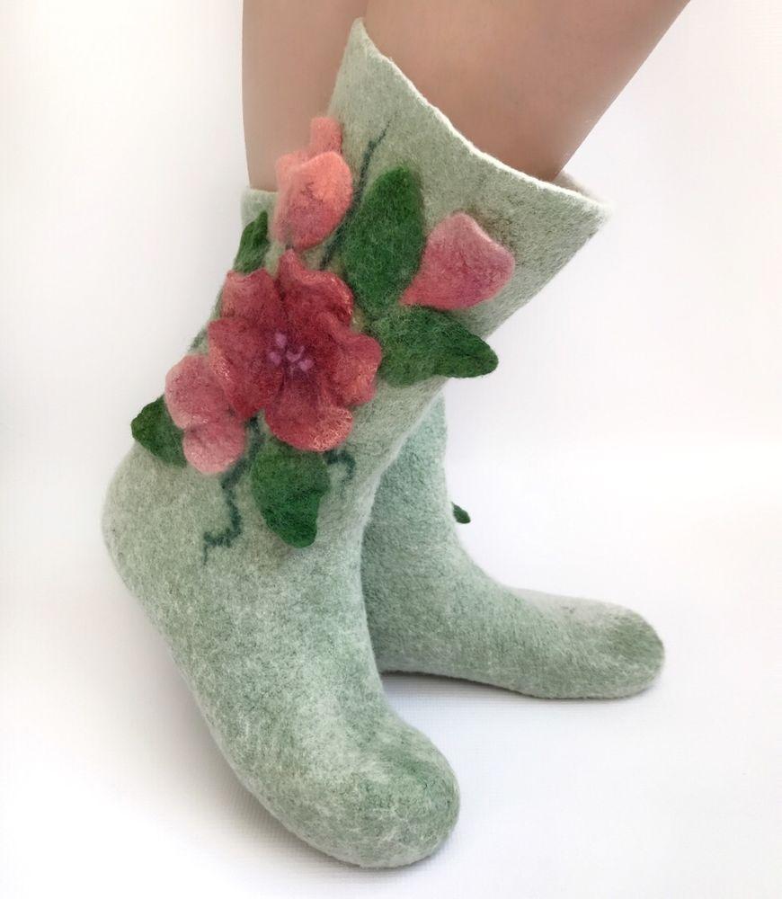Мастер-класс по мокрому валянию  «Носочки с цветочным декором», фото № 2