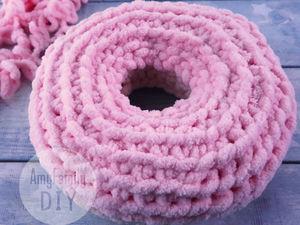 Вяжем Подушку-Пончик из Alize Puffy без спиц и крючка. Ярмарка Мастеров - ручная работа, handmade.