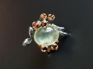 Кольцо ручной работы: натуральный Пренит, гранат -  серебро 925  пробы.. Ярмарка Мастеров - ручная работа, handmade.
