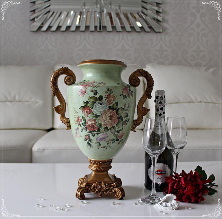 новый магазин, классические вазы