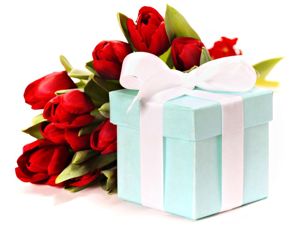 Добрый, подарок открытку на день рождения женщине