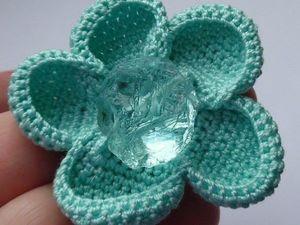 Вяжем цветок с аква-кварцем. Ярмарка Мастеров - ручная работа, handmade.