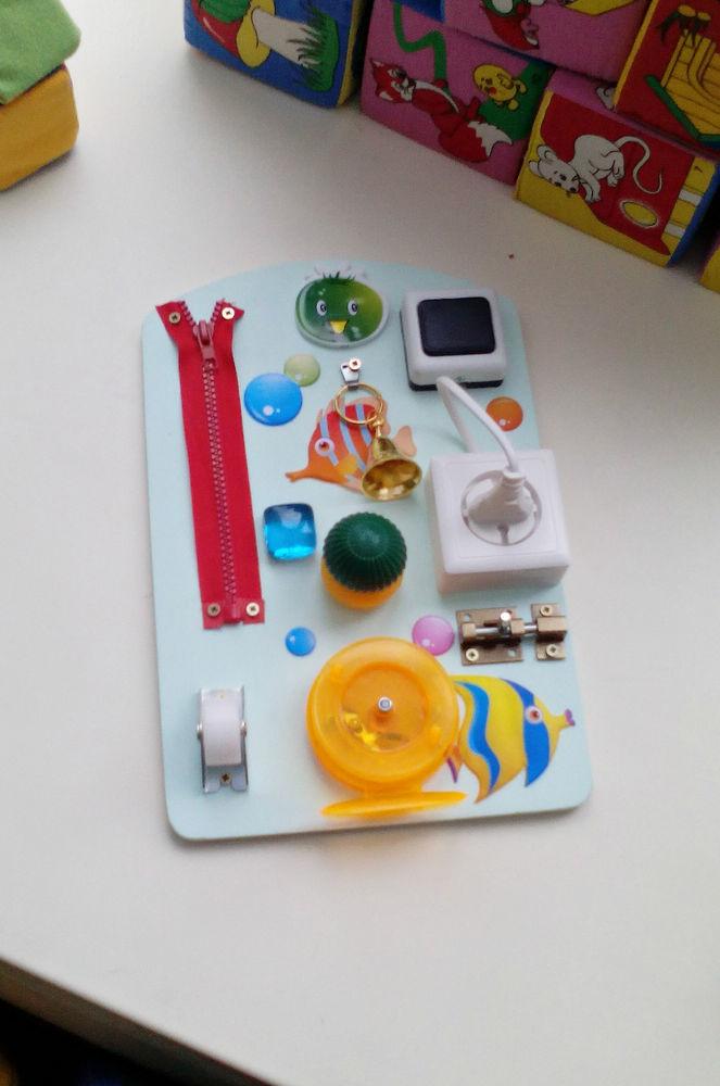 бизиборд, развивающая игрушка
