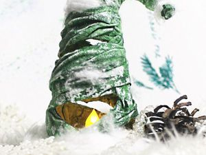 Мастерим простую интерьерную ёлочку-светильник из подручных материалов | Ярмарка Мастеров - ручная работа, handmade
