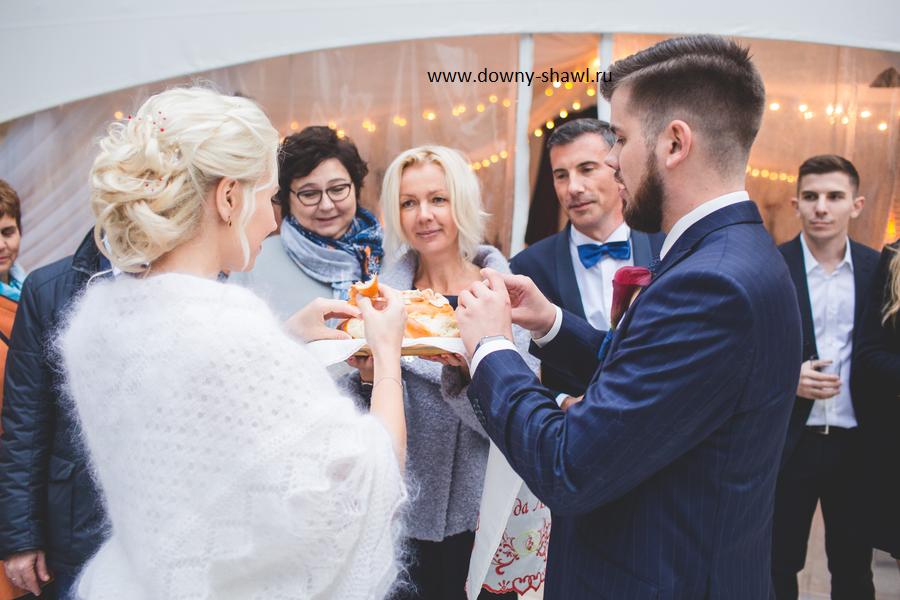 вопрос, пуховый платок зима, невеста в платке, пуховый платок, свадьба зимой