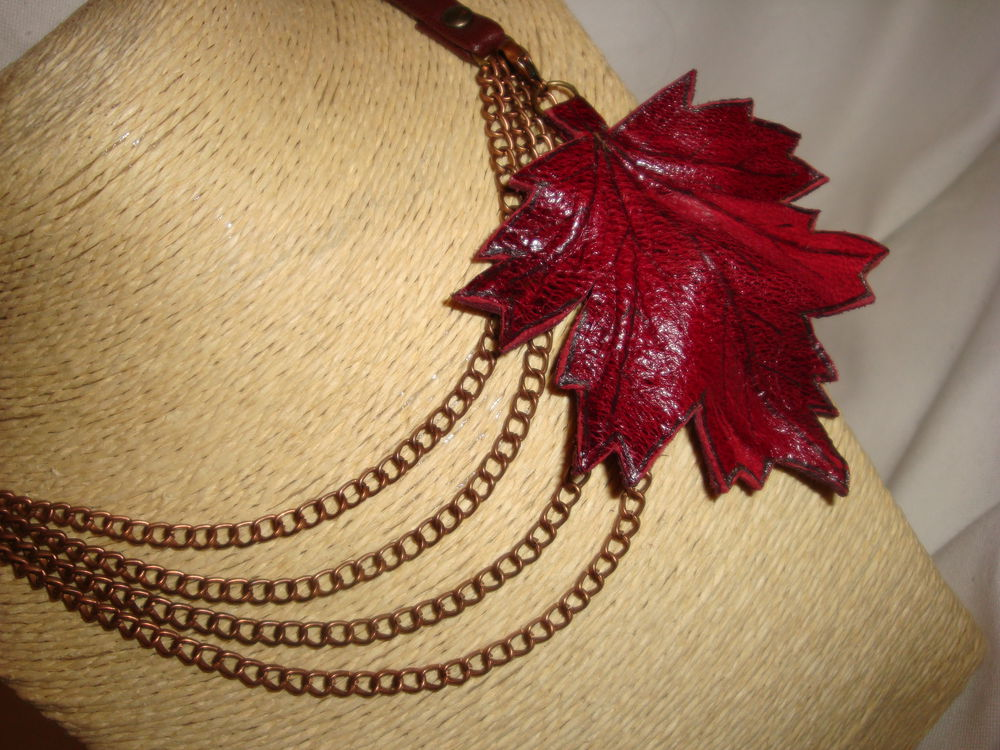 осенние листья, колье с цепями