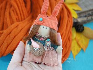 Создаем текстильную брошь-брелок «Девочка-Осень». Ярмарка Мастеров - ручная работа, handmade.